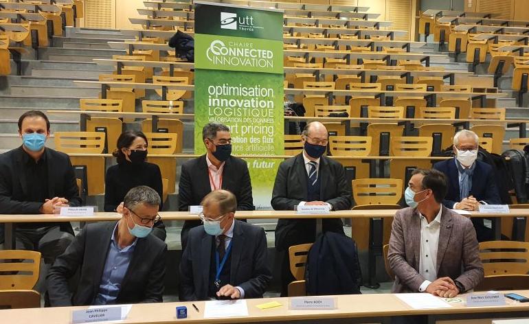 Signature d'un accord-cadre entre l'Université de technologie de Troyes (UTT) et l'Institut Français du Textile et de l'Habillement (IFTH)